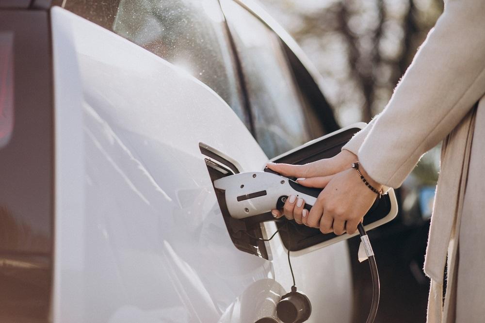 Cargar coches eléctricos