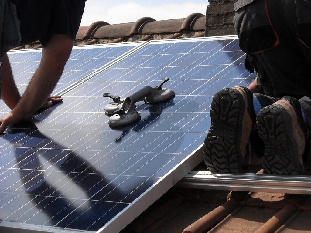 Ahorra en tu factura instalando paneles solares